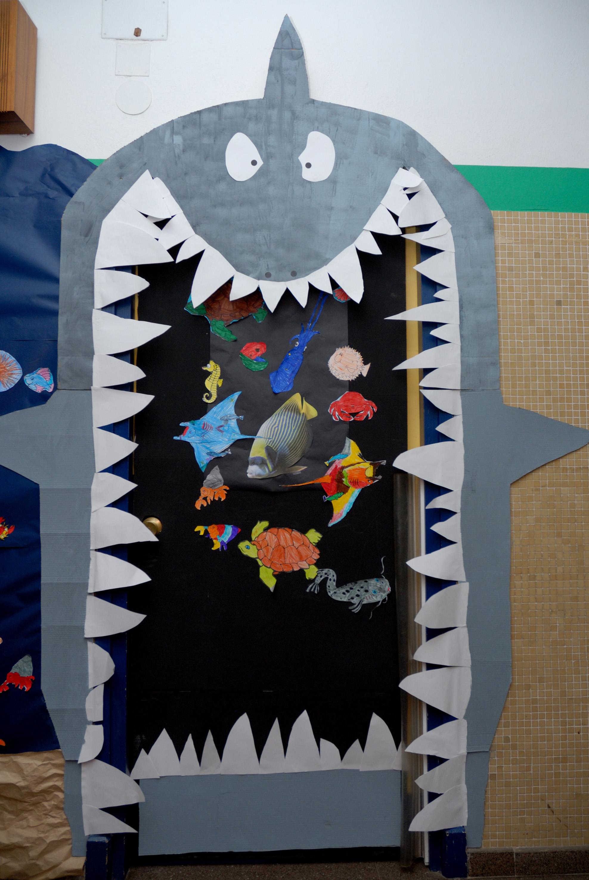 Puerta decorada dia de las madres aula t puertas for Puertas decoradas para el dia del libro
