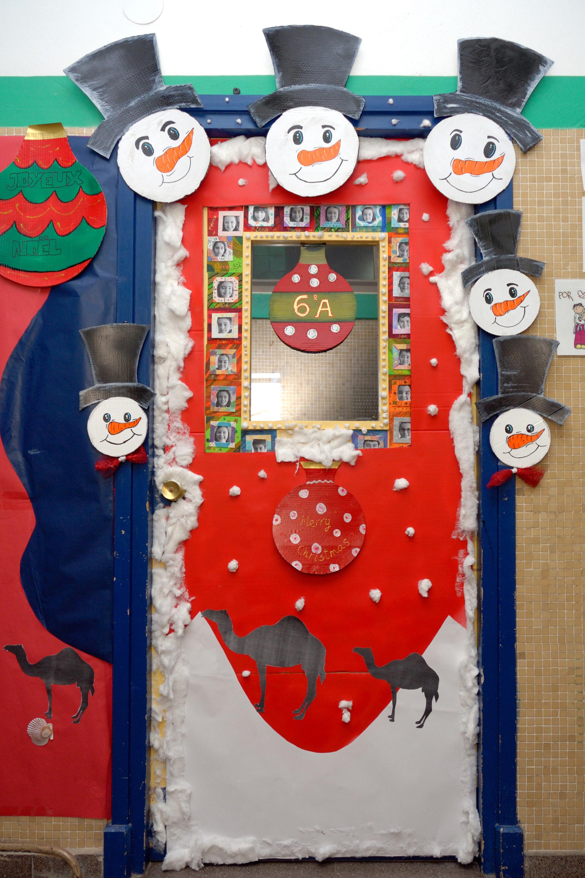 En el cole por navidad for Puertas escolares decoradas
