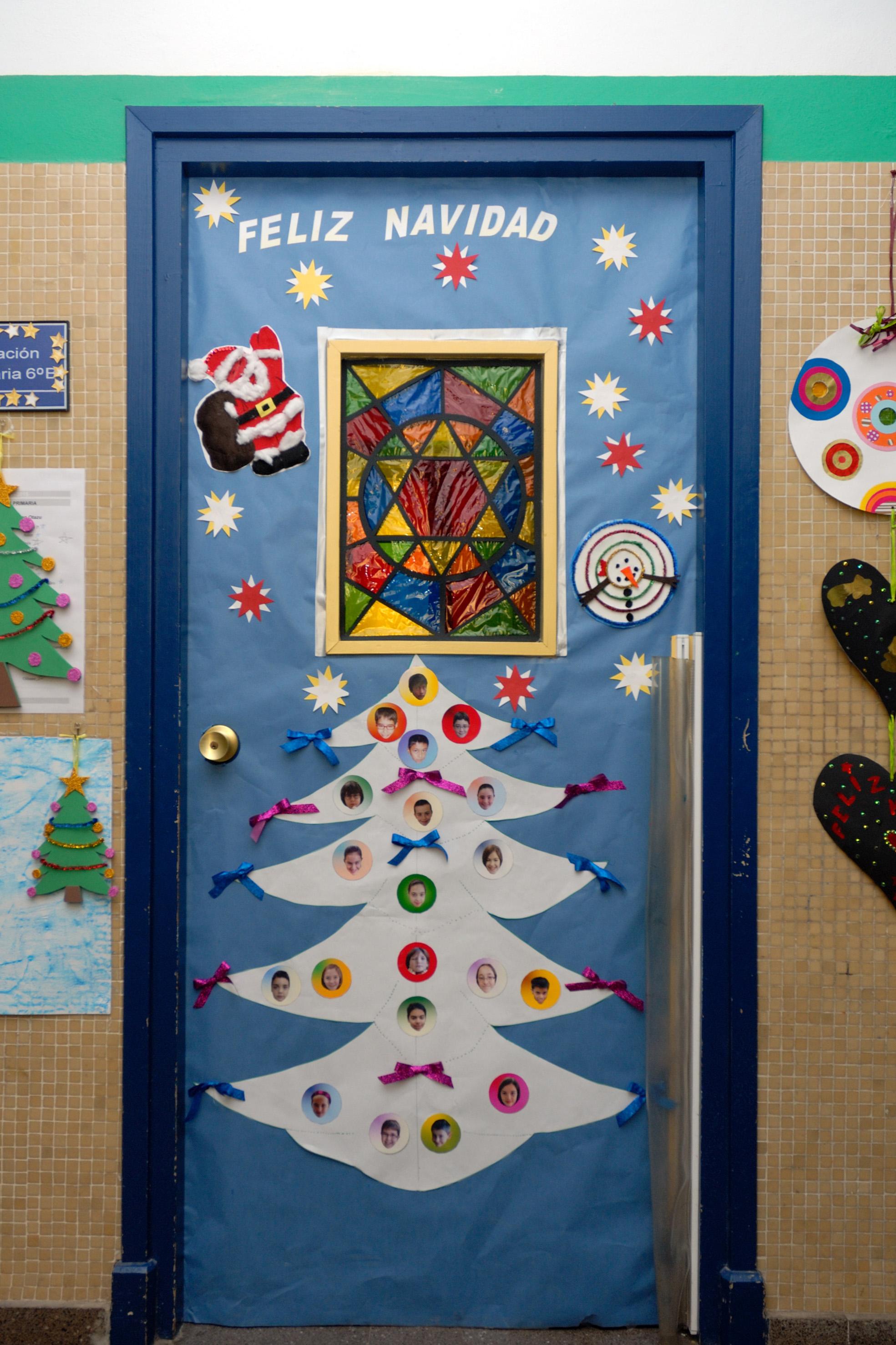 Apyma cp luis gil for Puertas decoradas navidad material reciclable