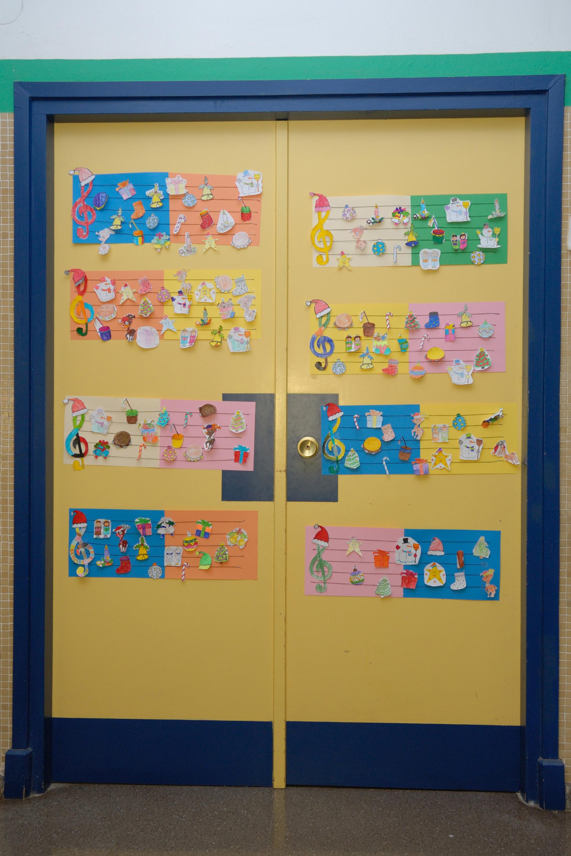 Actividades de aula cp luis gil for Decoracion puerta aula infantil